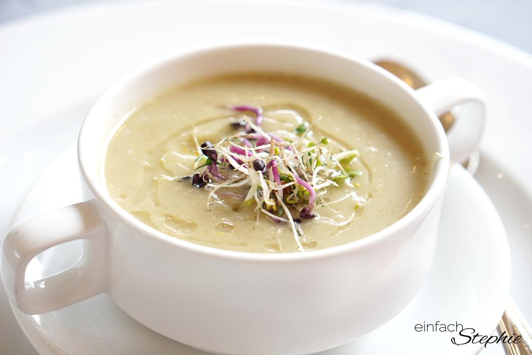 Basische Suppe mit Gemüse und Kartoffel